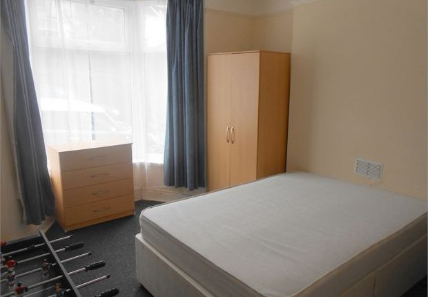 Shared accommodation to rent in Waterloo Place, Brynmill, Swansea