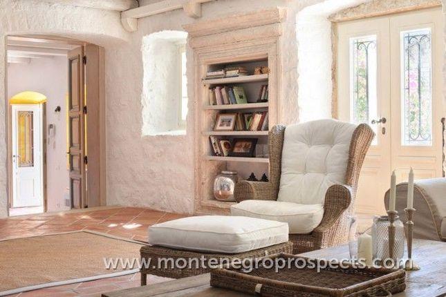 Thumbnail Villa for sale in Perast, Montenegro