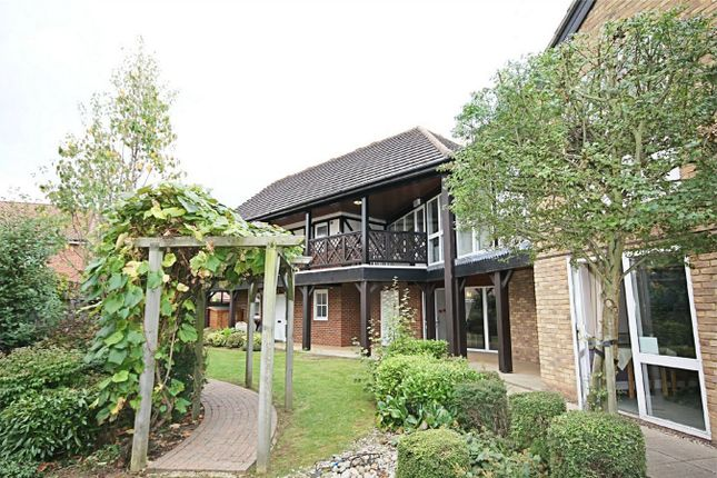 Thumbnail Property for sale in High Wych Road, Sawbridgeworth, Hertfordshire