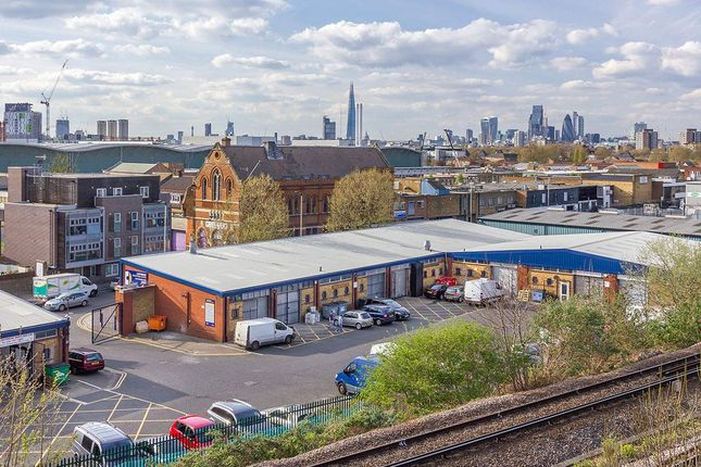 Thumbnail Warehouse to let in Canterbury Industrial Estate, Canterbury Industrial Park, Bermondsey
