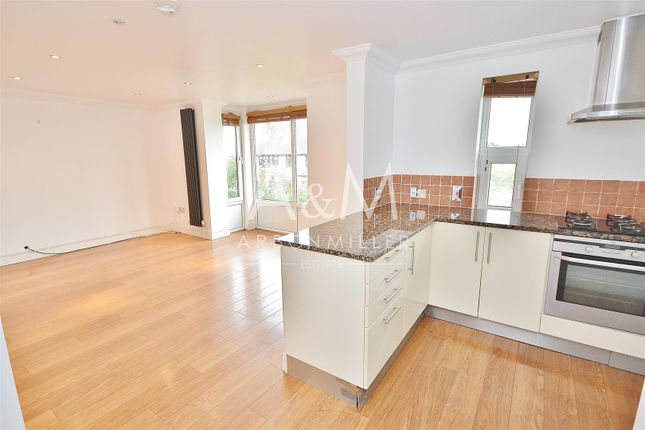 Thumbnail Flat to rent in Mount Pleasant Road, Chigwell
