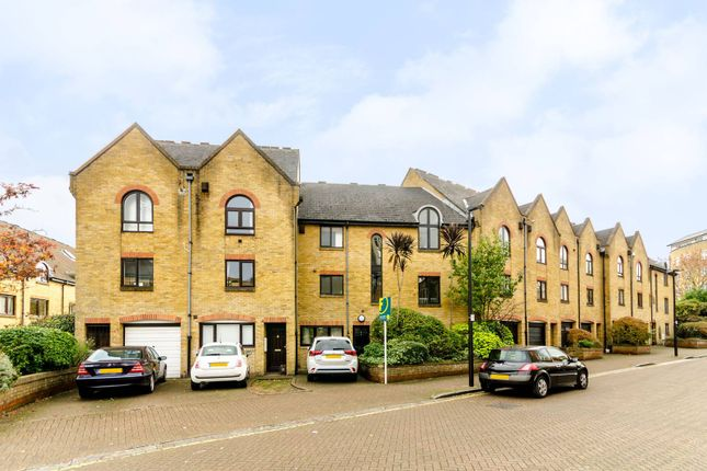 Thumbnail Terraced house for sale in Kennet Street, Wapping