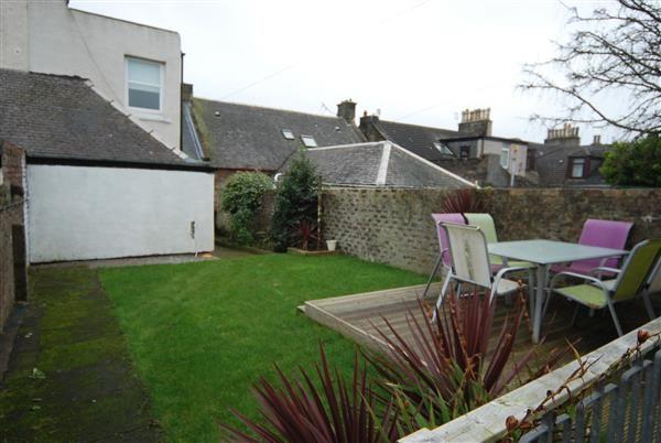 Eglinton street saltcoats ka21 4 bedroom terraced house for 17 eglinton terrace ayr