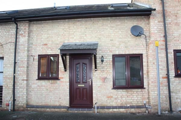 Thumbnail Terraced house to rent in High Street, Chatteris
