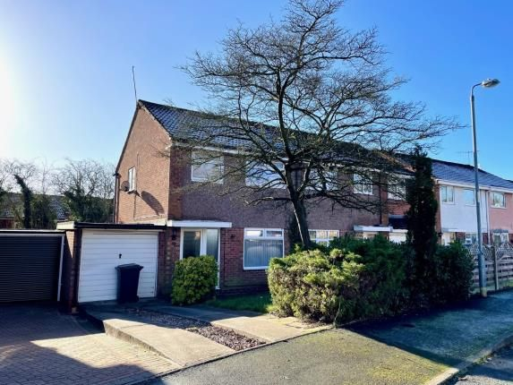 3 bed semi-detached house for sale in Pebworth Close, Redditch, Worcestershire B98