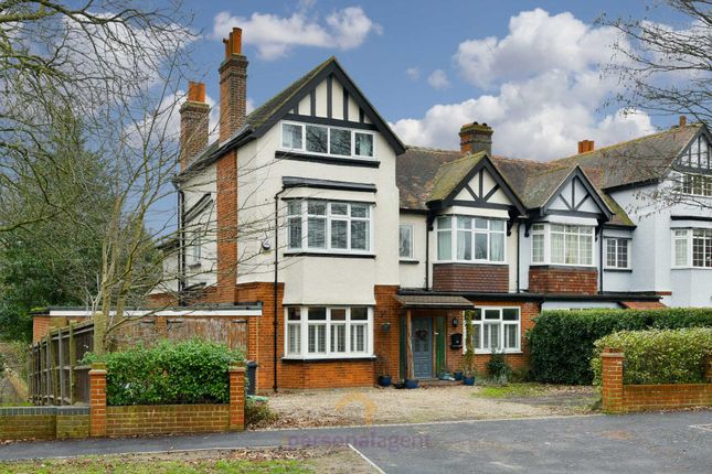 5 bed detached house to rent in Banstead Road, Epsom
