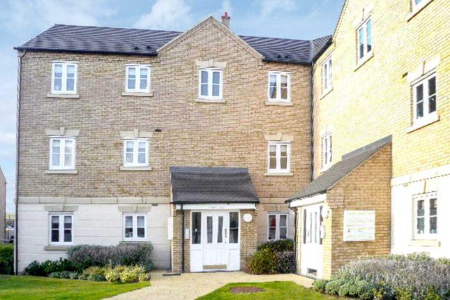 2 bed flat to rent in Dainty Grove, Grange Park, Northampton NN4