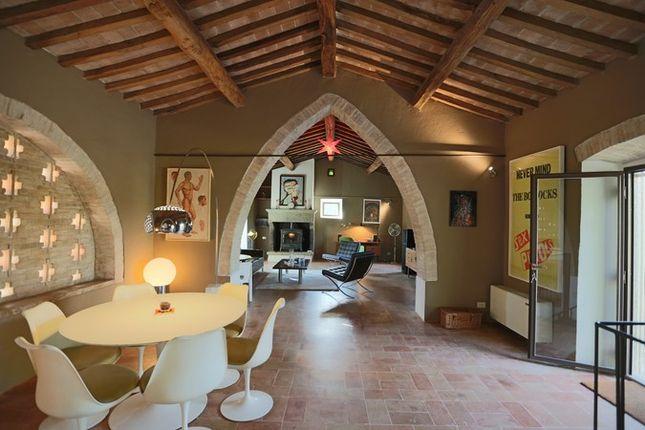 Thumbnail Farmhouse for sale in Villa Metato, Morra, Umbria