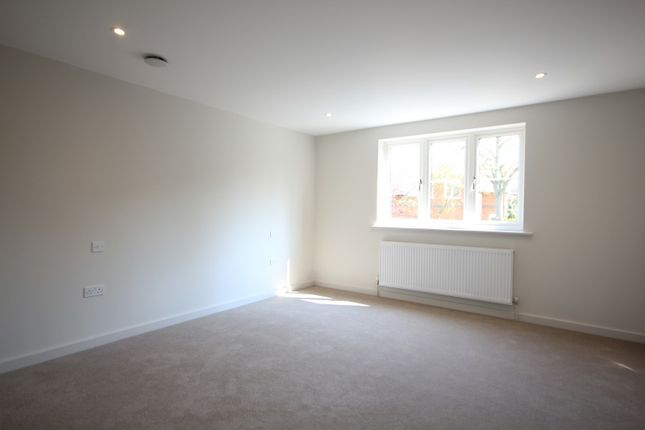 Bedroom of Northcourt Avenue, Reading RG2
