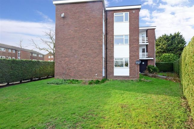Thumbnail Flat for sale in Fairfield Road, Woodford Green, Essex