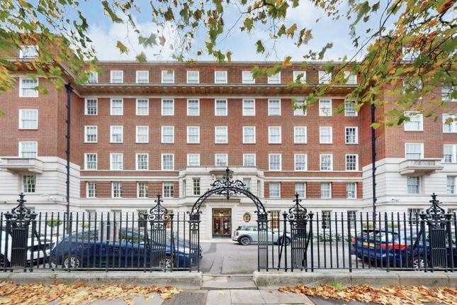 Thumbnail Flat for sale in Abbey Lodge, Park Road, London