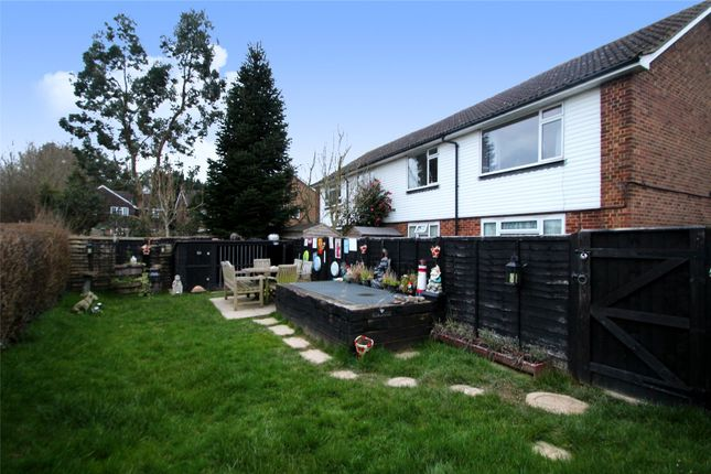 Thumbnail Flat for sale in Broad Field, West Hoathly, East Grinstead