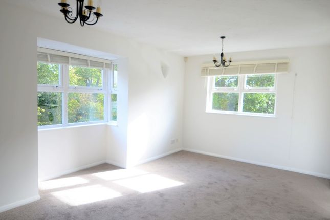 Thumbnail Flat to rent in Catherine House, Isleworth
