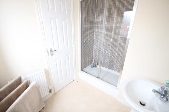 En-Suite of Dunlop Avenue, Barrhead, Glasgow, East Renfrewshire G78