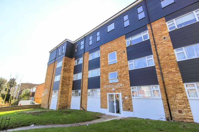 Thumbnail Flat to rent in Snakes Lane West, Woodford Green