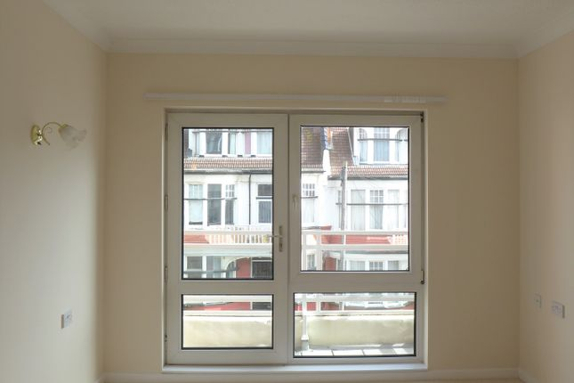 Flat to rent in Homecove House, Holland Road, Westcliff-On-Sea, Essex
