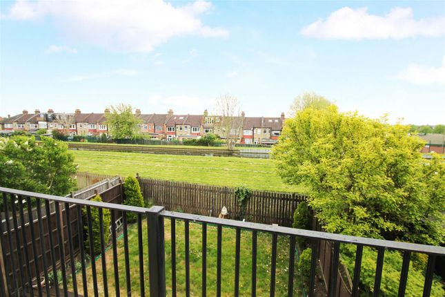 Terrace of Hamilton Crescent, Palmers Green, London N13