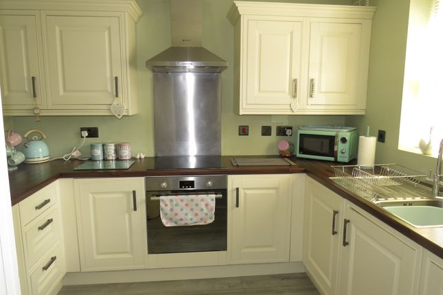 Fitted Kitchen: of Westgate Close, Rocester, Uttoxeter ST14