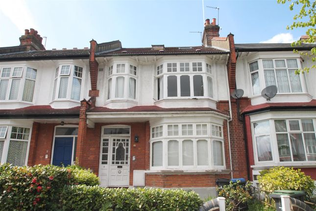 Thumbnail Flat for sale in Caversham Avenue, Palmers Green, London