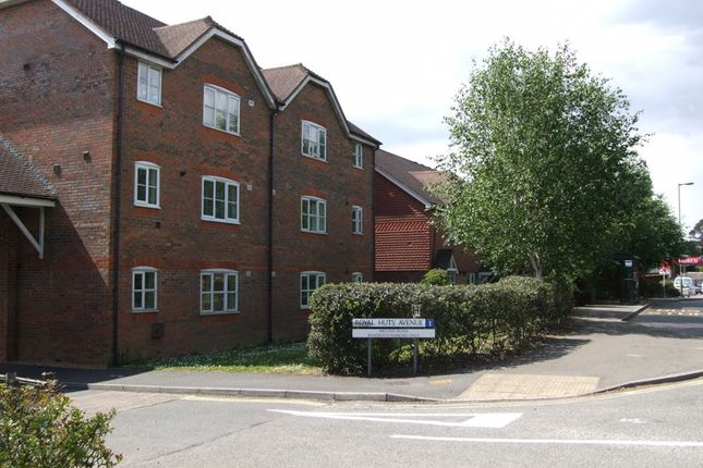 Flat for sale in Royal Huts Avenue, Hindhead