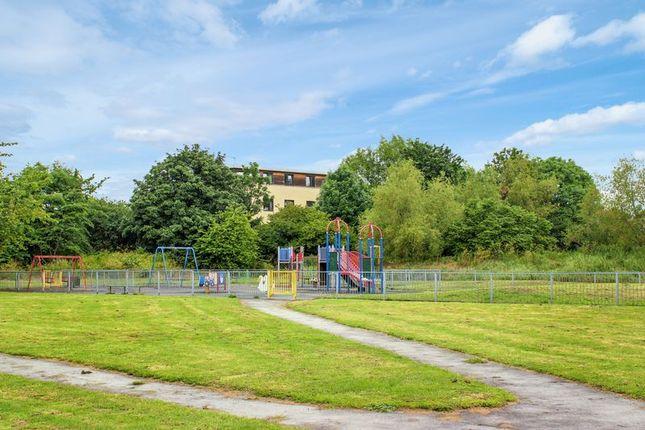 Photo 10 of Waltham Gardens, Enfield EN3