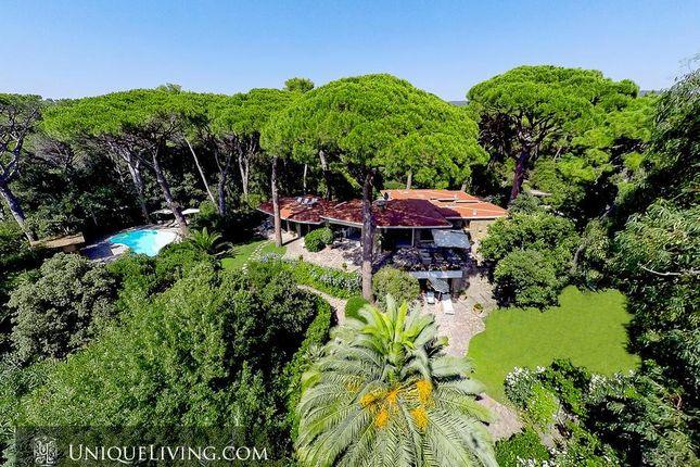 Thumbnail Villa for sale in Tuscany, Italy