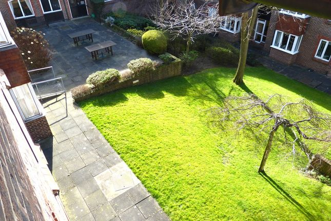 Thumbnail Flat for sale in Birnbeck Court, Finchley Road, Temple Fortune, Golders Green