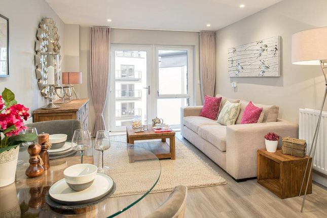 """1 bedroom flat for sale in """"Azera C"""" at Centenary Plaza, Southampton"""