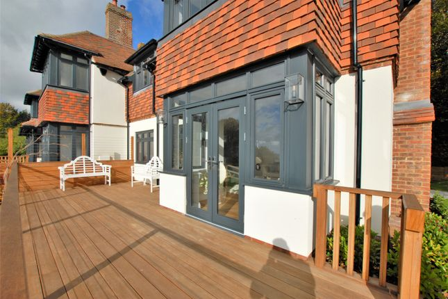 Terrace of Cannongate Road, Hythe CT21