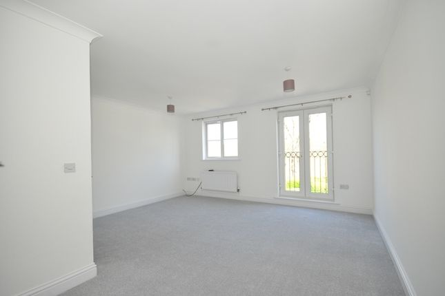 3 bed town house to rent in Old School Place, Waddon, Croydon CR0