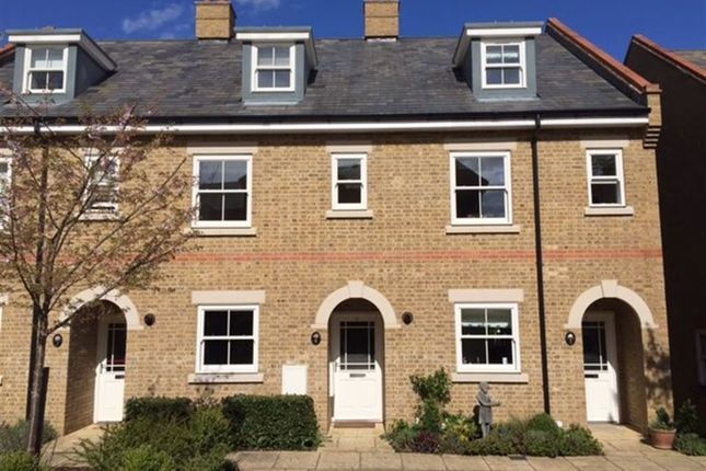 Thumbnail Terraced house to rent in New Manor Croft, Berkhamsted