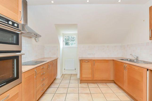 Thumbnail Property for sale in Badsworth Gardens, Newbury