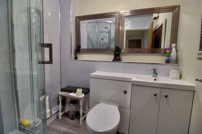 Bathroom of Halmyre Street, Edinburgh EH6
