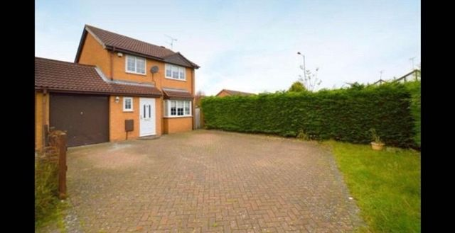 Thumbnail Detached house to rent in Mees Close, Luton