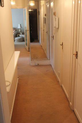Flat in  Holders Hill Road   Claydon House  London  West London