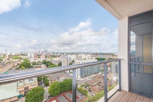 Thumbnail Flat to rent in Panoramic Tower, Hay Currie Street, Poplar