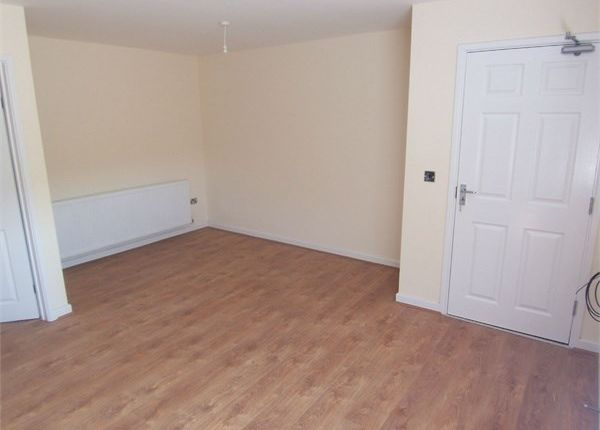 Thumbnail Flat to rent in 12 Vicars Court, Clipstone Village, Mansfield