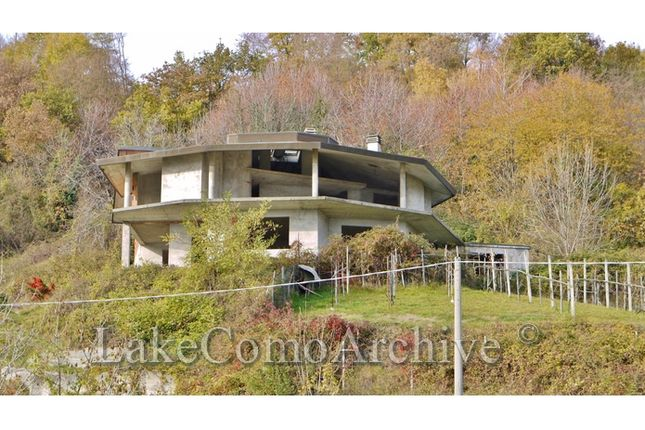 4 bed villa for sale in Menaggio (Plesio), Lake Como, Italy