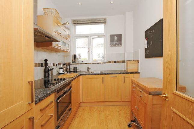 Thumbnail Flat to rent in Woodford Mill, Witney, Oxfordshire
