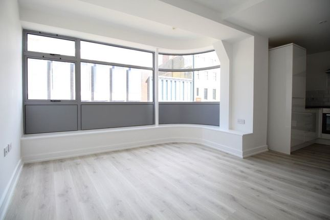 Thumbnail Flat to rent in George Street, Luton