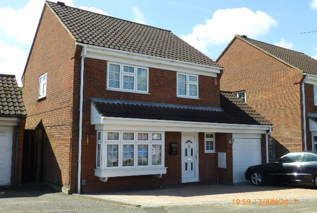 4 bed detached house to rent in Cromer Way, Bushmead, Luton