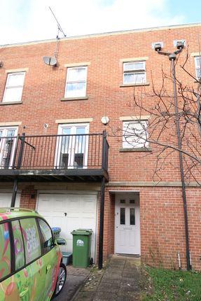 Thumbnail Town house to rent in Craven Street, Southampton