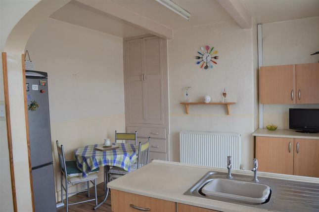 Dining Kitchen of Quarmby Road, Quarmby, Huddersfield HD3