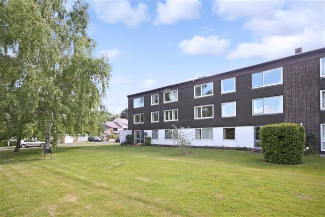 3 bed flat to rent in Gough Way, Cambridge