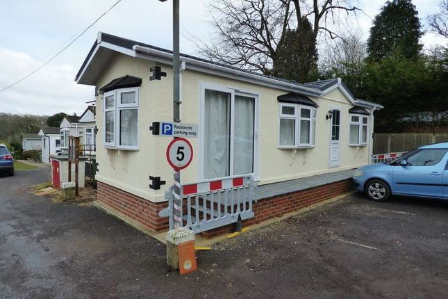 Thumbnail Mobile/park home for sale in Ashurst Drive, Tadworth