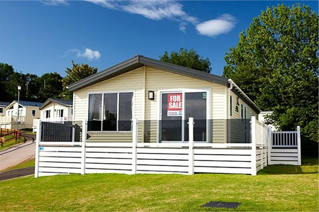 Mobile/park home for sale in Seawick Holiday Park, St Osyth, Clacton-On-Sea
