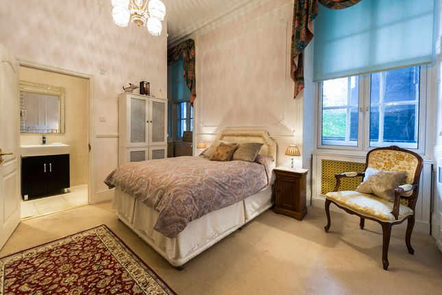 Duplex for sale in Albert Hall Mansions, London