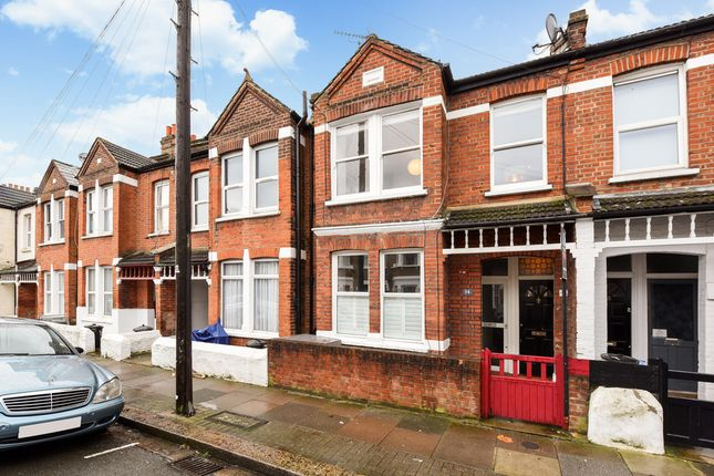 2 bed flat for sale in Fernthorpe Road, London