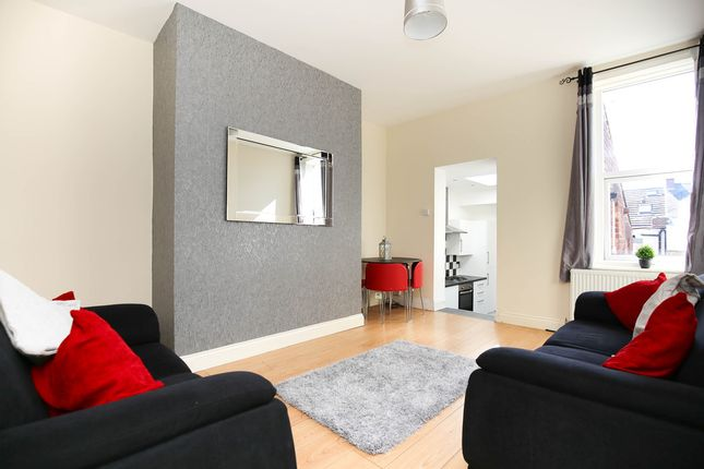 3 bed flat to rent in Biddlestone Road, Heaton, Newcastle Upon Tyne