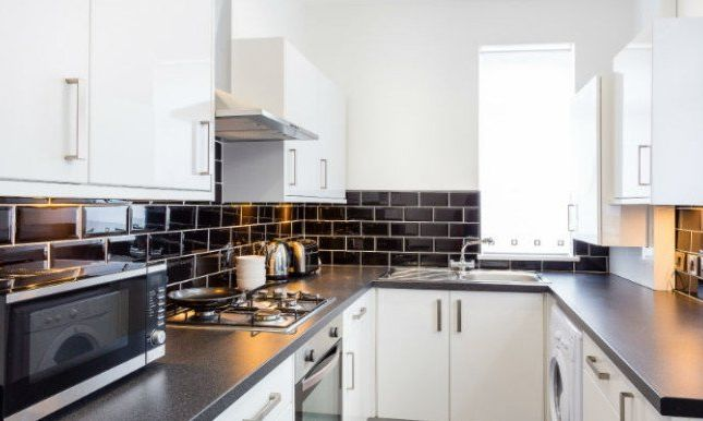 Thumbnail Shared accommodation to rent in Deyne Street, Salford